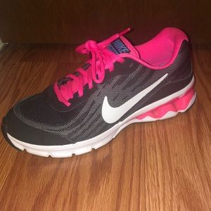 Nike Relax Run 9 Sneakers - Size 7.5